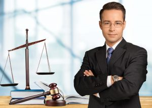 How to Become a Corporate Lawyer?